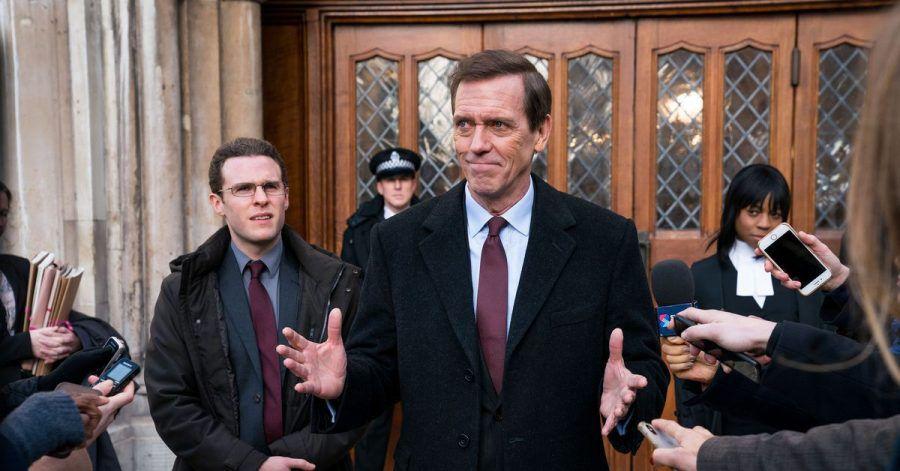 Hugh Laurie (M) als Peter Laurencein der Politsatire «Roadkill».