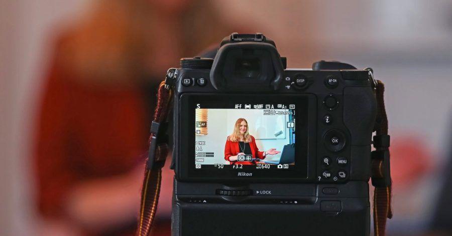 Eine Mehrheit der Psychotherapeuten kann sich auch weiterhin vorstellen, ihre Patienten per Video online zu behandeln.