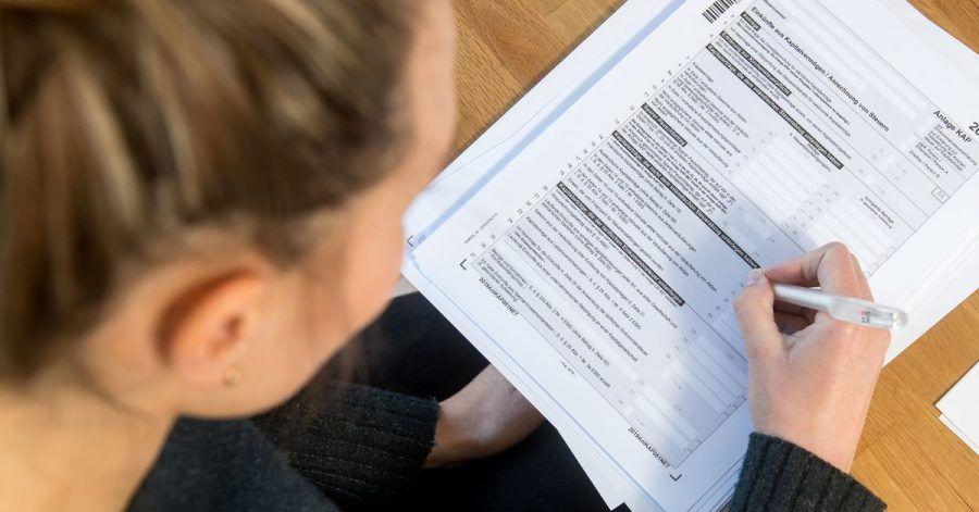 Erträge von Lebensversicherungen werden unter Umständen versteuert. Für Versicherte lohnt sich meist eine Steuererklärung.