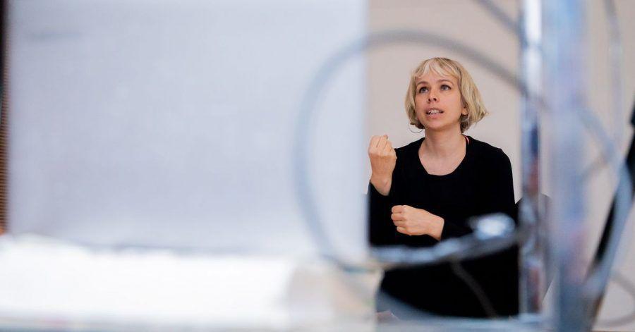 Susanne Kreusler, Hebamme, leitet von der «Hebammerie» in Berlin-Kreuzberg aus einen Online-Rückbildungskurs.