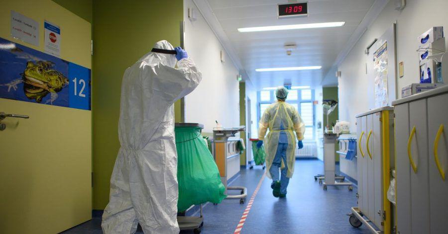 Die zweite Welle der Corona-Pandemie hat vielen Krankenhausmitarbeitern noch mehr abverlangt als die erste. Die coronabedingt besonders belasteten Beschäftigten sollen daher eine Prämie erhalten.