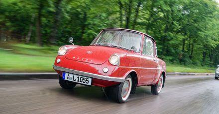 Auto-Floh: Der Mazda R360 ist nicht nur nach heutigen Maßstäben ein sehr kleines Auto.