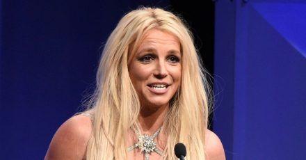 Die US-Popsängerin Britney Spears strampelt sich frei.