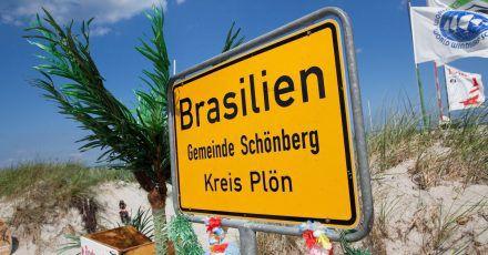 Ungewohntes Ortsschild: Der Strandabschnitt Brasilien gehört zur Gemeinde Schönberg und liegt an der Ostsee.