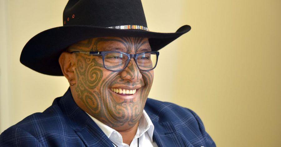 """Der Co-Vorsitzende der Maori-Partei, Rawiri Waititi, bezeichnet Krawatten als """"koloniale Schlinge""""."""