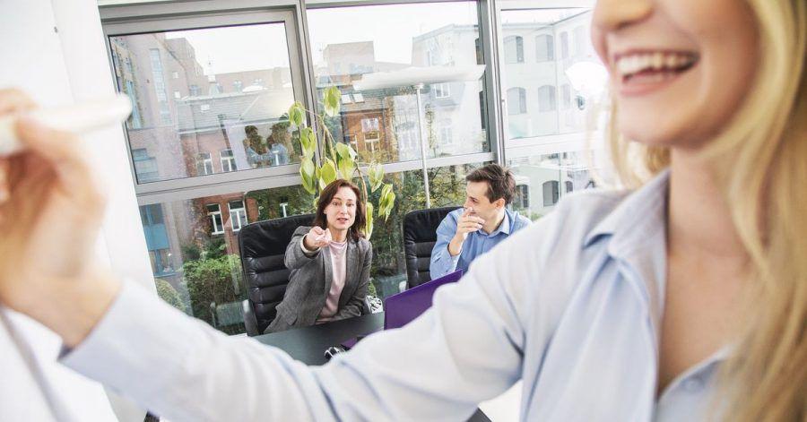 Gute Führungskräfte geben Kontrolle ab und schätzen die Eigenständigkeit ihrer Beschäftigten.