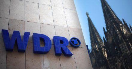 Der WDR sieht sich wegen einer Talksendung großer Rassismuskritik ausgesetzt.
