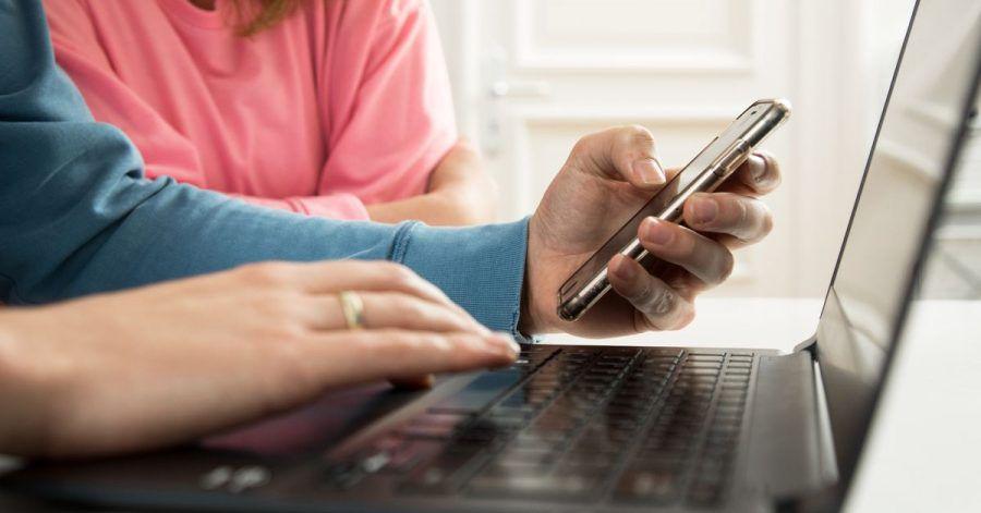 Online nach Schulen suchen? Gar nicht so einfach. Am besten ist es, sich vorab eine Liste mit konkreten Punkten aufzuschreiben.