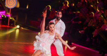 """Profitänzer Massimo Sinato, hier zu sehen mit Lili Paul-Roncalli, ist nicht mehr dabei bei der RTL-Tanzshow """"Let's Dance""""."""
