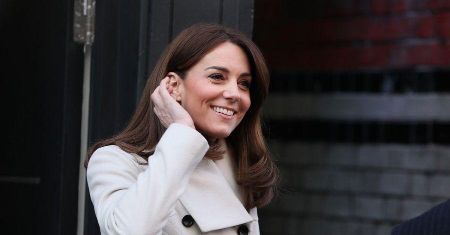 Herzohin Kate hat sich mit einer kleinen Prinzessin unterhalten.