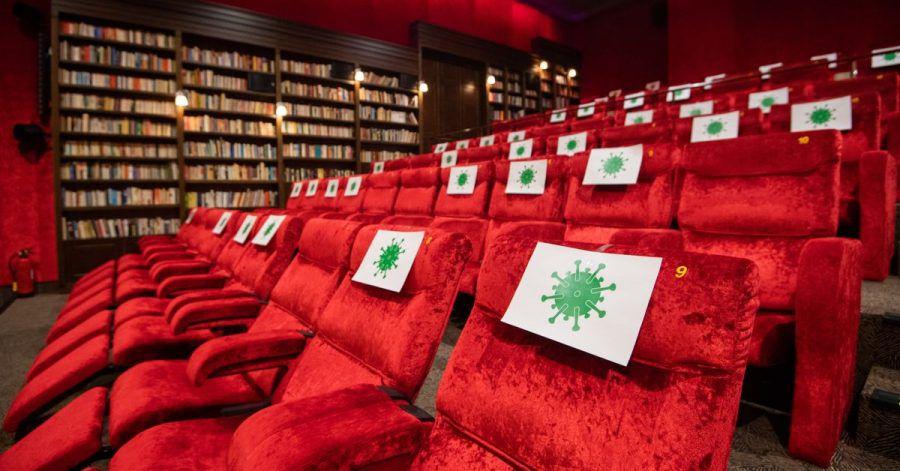 Gesperrte Sitze im im Kino Astor Grand Cinema in Hannover.