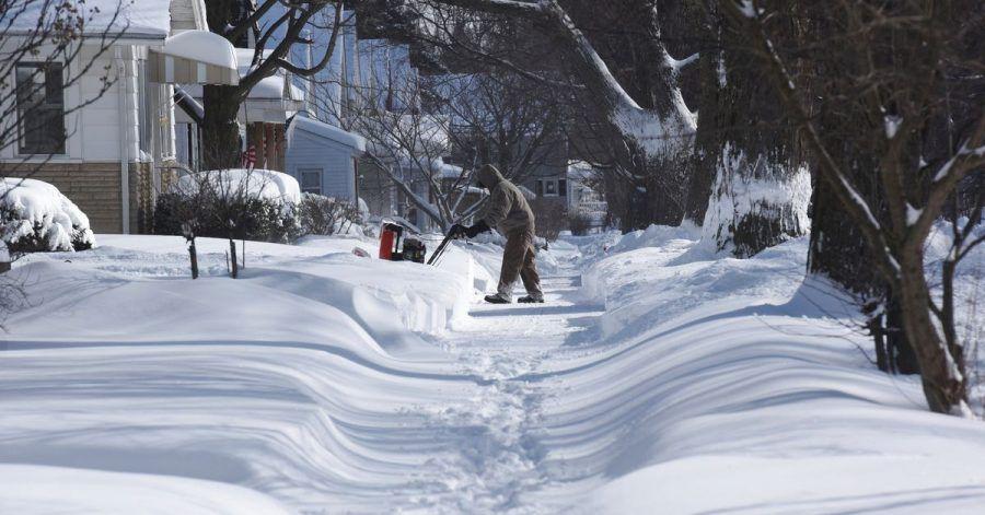 Im US-Bundesstaat Michigan hat ein Wintersturm mehrere Zentimeter Neuschnee gebracht.
