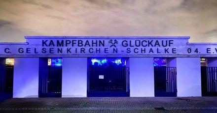 Kampfbahn Glückauf in Schalke:Der Name verweist auf die Geschichte Gelsenkirchens als Stadt des Bergbaus.