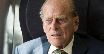 Der britische Prinz Philip ist zur Behandlung im Krankenhaus.
