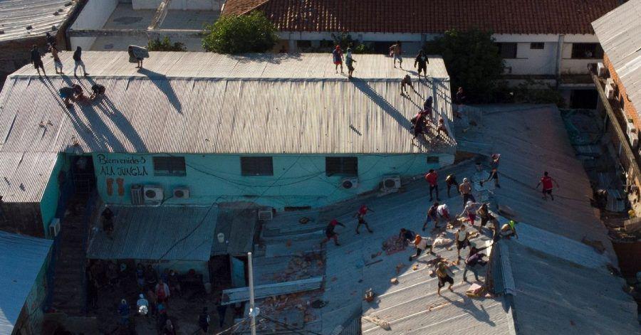 Gefangene auf dem Dach des Tacumbú-Gefängnisses.
