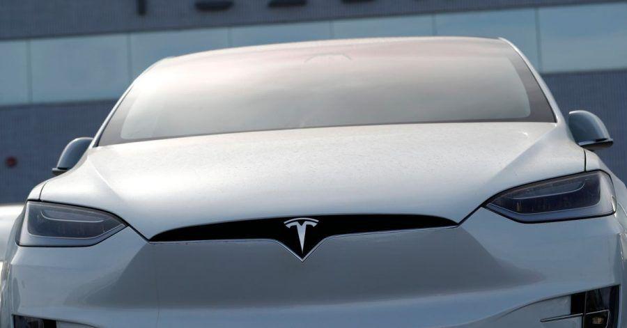 Weil Probleme beim zentralen Eingabebildschirm aufgetreten sind, ruft Tesla ältere Exemplare des Model-S und Model-X zurück.