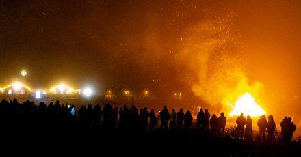 Dieses Jahr brennen die Feuer corona-bedingt aber nur in Ausnahmefällen und ohne Zuschauer.