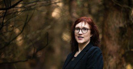 In den Büchern der irischen Autorin Sam Blake («The Dark Room», «Keep Your Eyes on Me») gibt es immer starke weibliche Charaktere.