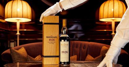 Eine Flasche mit 60-Jahre-altem Whisky der Marke «The Macallan 1926 Fine and Rare».