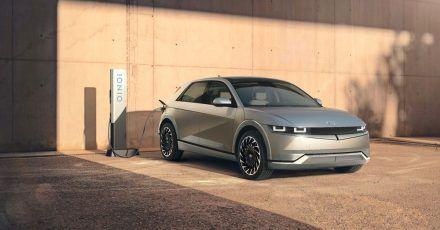Das erste Modell von Hyundais neuer Submarke: Der elektrische Ioniq 5 kommt mit einer Akkuladung bis zu 480 Kilometer weit.