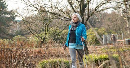 Regelmäßige Bewegung tut nicht nur den Muskeln und Gelenken gut. Auch das Gehirn profitiert von den Fitnesseinheiten.
