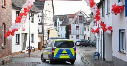 In der nordhessischen Kleinstadt war vor einem Jahr ein Auto in einen Karnevalsumzug gerast und hatte dabei zahlreiche Menschen verletzt.