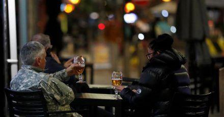 Eine britische Studie zeigt auf, in welchen Berufen (zu) viel getrunken wird.