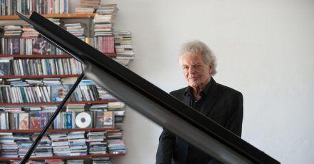 Jazz-Pianist Joachim Kühn setzt bei seinem neuen Album auf viel Gefühl.