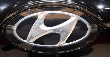 Wegen potenzieller Brandgefahr will Hyundai die Batteriesysteme in 82.000 Elektrofahrzeugen aus eigener Produktion ersetzen.
