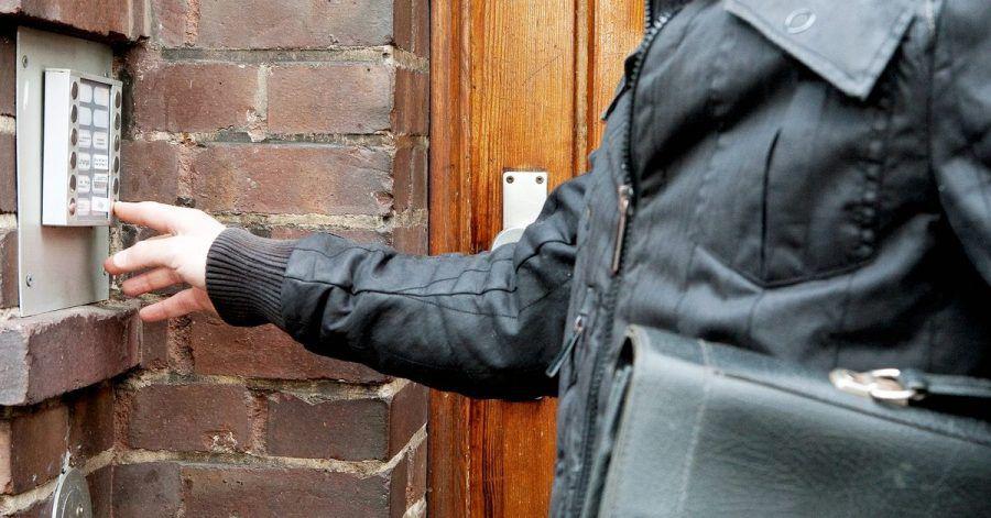 Vermieter haben zwar das Recht, eine vermietete Wohnung zu besichtigen, allerdings nur in Rücksprache mit den Mietern.