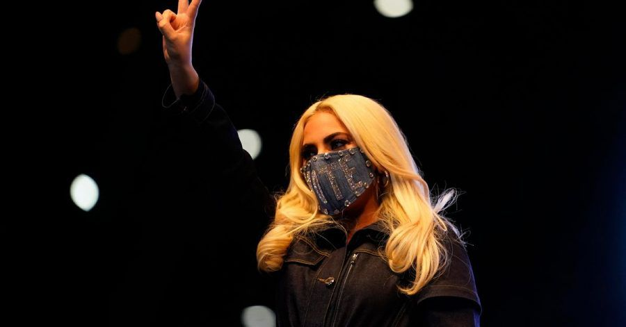 Die Sängerin Lady Gaga im vergangenen November bei einer Wahlkampfveranstaltung für den jetzigen US-Präsidenten Joe Biden.