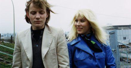 Eva Mattes als Monika und und Charly Wierzejewski als Willi in einer Szene des Films  «Supermarkt» (1973).