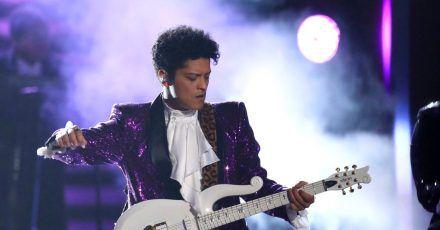 Bruno Mars bei der 59. Verleihung der Grammy Awards.