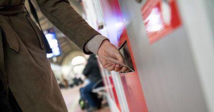 Der Fahrgastverband Pro Bahn kritisiert die Flexpreise der Deutschen Bahn. Gerade für Wochenendpendler werde es meist teurer.