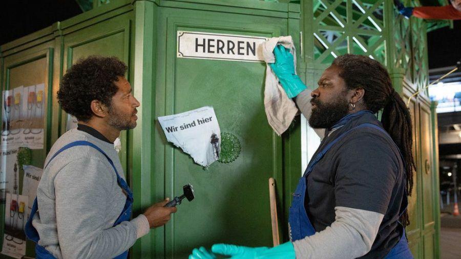 """""""Herren"""": Ezequiel (Tyron Ricketts, l.) will nicht das machen, was Reynaldo (Komi Mizrajim Togbonou) von ihm verlangt (cg/spot)"""