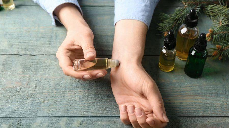 Ätherische Öle wirken sich auf das Wohlbefinden aus. (sob/spot)