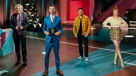 """""""Wer stiehlt mir die Show?"""" (v.l.): Thomas Gottschalk, Joko Winterscheidt, Elyas M'Barek und Palina Rojinski (ili/spot)"""