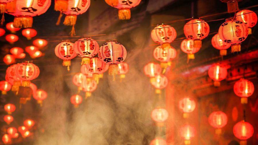 Am Ende der 15-tägigen Neujahrsfeiern erhellen traditionell rote Laternen Häuser und öffentliche Orte. (wag/spot)