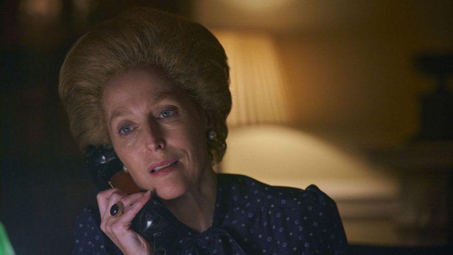 """Auch sie ist nominiert: Gillian Anderson als Margaret Thatcher in """"The Crown"""" (wue/spot)"""