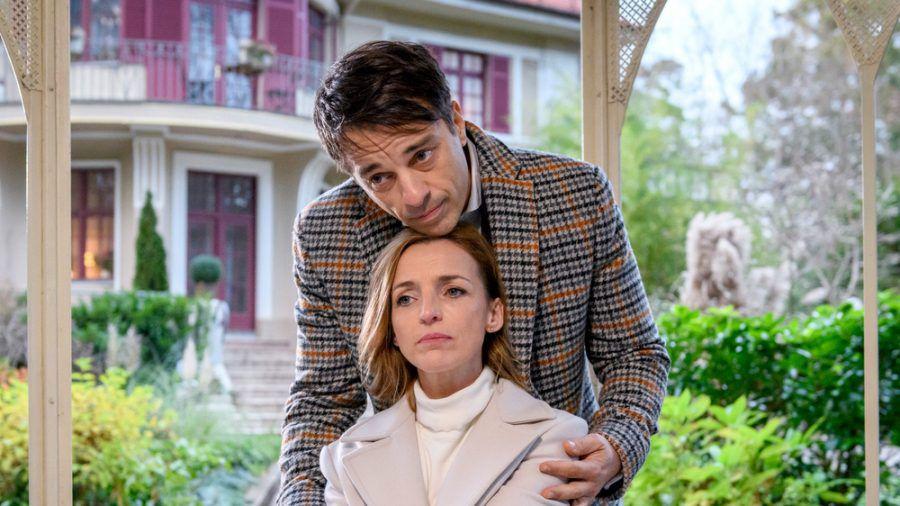 """""""Sturm der Liebe"""": Cornelia erzählt Robert von ihrem Entschluss, ihren Sohn zu besuchen. (cg/spot)"""