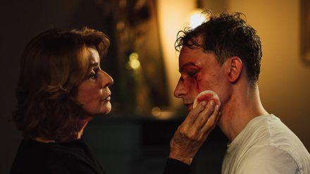 """Martha und Tommy"": Martha (Senta Berger) möchte Tommy (Jonathan Berlin) helfen (cg/spot)"