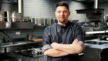 """Tim Mälzer duelliert sich in """"Kitchen Impossible"""" wieder mit Kochkollegen - dieses Mal in Deutschland und Österreich. (jom/spot)"""