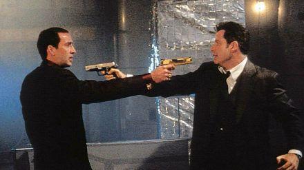 """Nicolas Cage (l.) und John Travolta in """"Im Körper des Feindes"""" aus dem Jahr 1997. (dr/spot)"""
