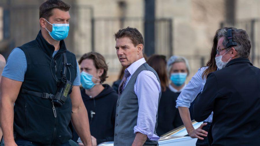 """Tom Cruise während der Dreharbeiten zu """"Mission: Impossible 7"""" in Rom. (stk/spot)"""