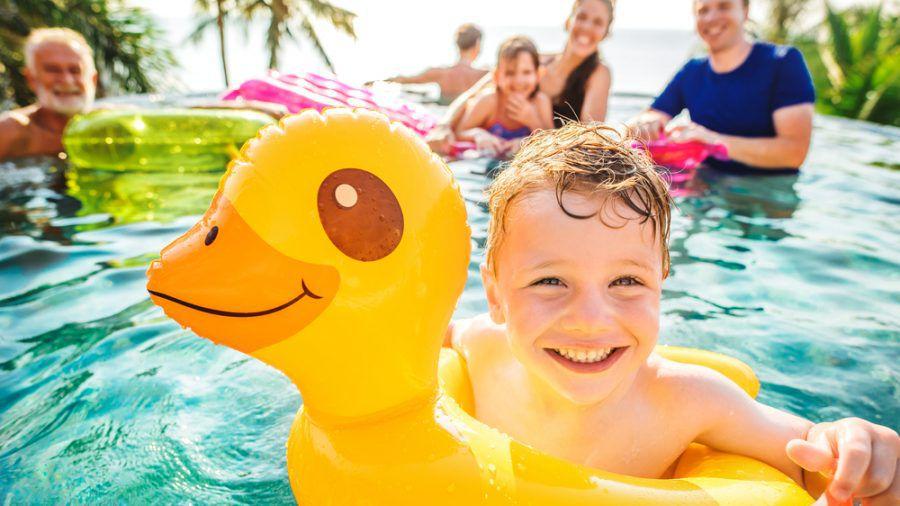 Vor allem Kinder profitieren von gemeinsamen Urlauben mit der Großfamilie. (elm/spot)