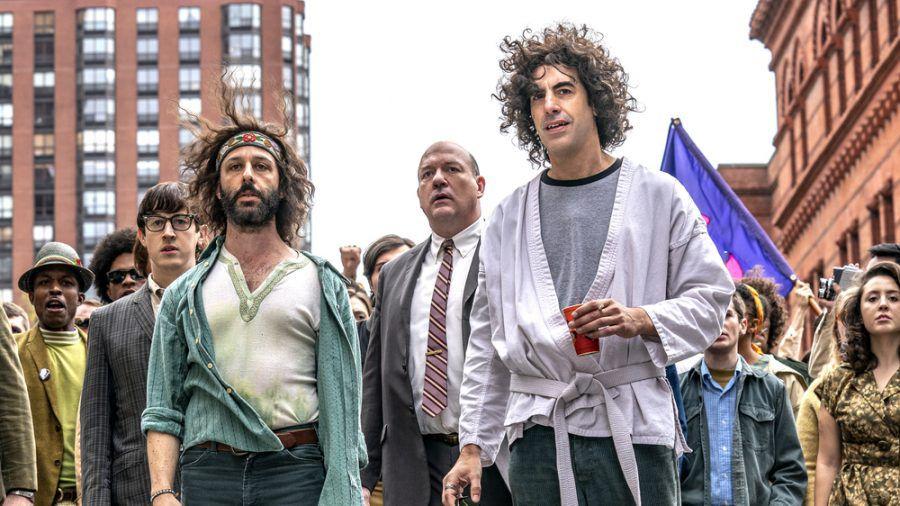 Sacha Baron Cohen (r.) ist für seine Darbietung als Abbie Hoffman für einen Golden Globe nominiert. (stk/spot)