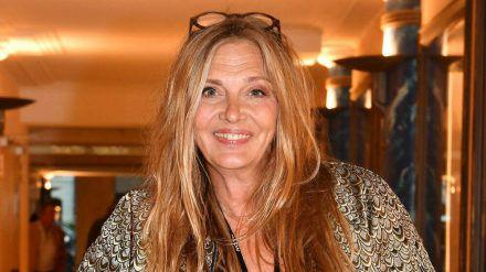 Schauspielerin Nicole Boettcher lässt den Beauty-Doc ran. (cos/spot)