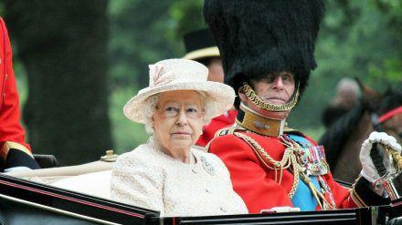 Queen Elizabeth II. und Prinz Philip 2015 (mia/spot)