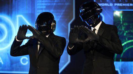"""Daft Punk auf der Weltpremiere von """"Tron"""" (mia/spot)"""