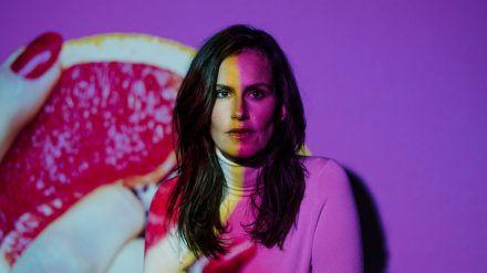 Die Schauspielerin und Produzentin Saralisa Volm hat ihre sexuellen Vorurteile hinterfragt. (sob/spot)